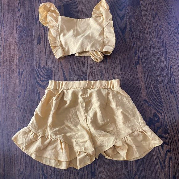 NWOT Mustard Yellow 2 piece set from SHEIN- med